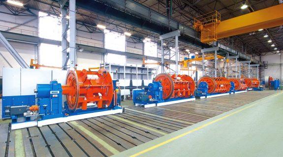 Foto: Tandemkorbverseilmaschine MKD 630 auf der Montagefläche im SKET